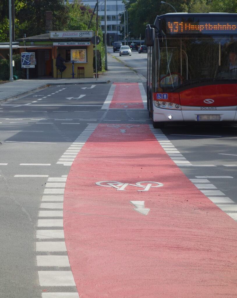 Gefährliche Fahrradweiche Salzdahlumer Str./Fichtengrund